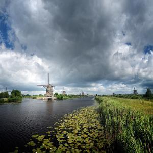 Kinderdijk by Philipp Klinger