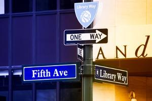 Advertising - Fifth Avenue - Manhattan - New York City - United States by Philippe Hugonnard