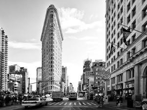 Black and White Photography Landscape of Flatiron Building and 5th Ave, Manhattan, NYC, US by Philippe Hugonnard