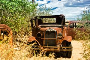 Cars - Route 66 - Gas Station - Arizona - United States by Philippe Hugonnard