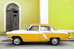 Cuba Fuerte Collection - American Classic Car White and Yellow by Philippe Hugonnard