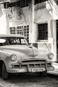 Cuba Fuerte Collection B&W - Chevrolet Classic Car III by Philippe Hugonnard