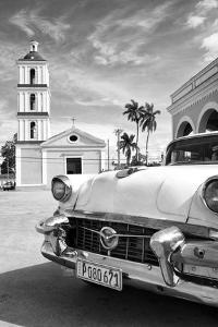 Cuba Fuerte Collection B&W - Classic Car in Santa Clara II by Philippe Hugonnard
