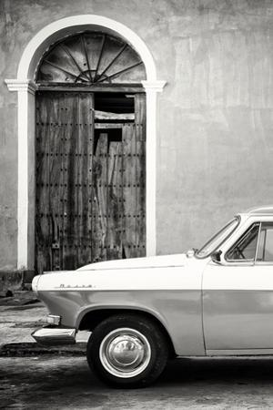 Cuba Fuerte Collection B&W - Old Classic Car in Santa Clara III