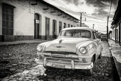 Cuba Fuerte Collection B&W - Plymouth Classic Car
