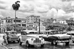 Cuba Fuerte Collection B&W - Vintage American Cars II by Philippe Hugonnard