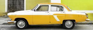 Cuba Fuerte Collection Panoramic - American Classic Car White and Yellow by Philippe Hugonnard