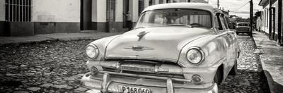Cuba Fuerte Collection Panoramic BW - Plymouth Classic Car