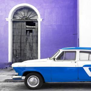 Cuba Fuerte Collection SQ - American Classic Car White and Blue by Philippe Hugonnard