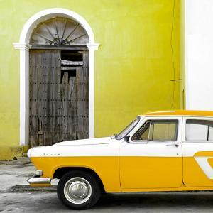 Cuba Fuerte Collection SQ - American Classic Car White and Yellow by Philippe Hugonnard