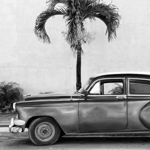 Cuba Fuerte Collection SQ BW - Beautiful Retro Black Car by Philippe Hugonnard