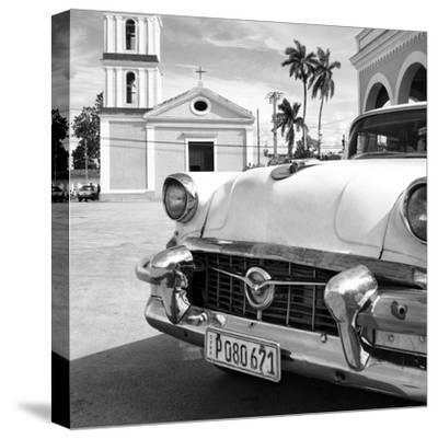 Cuba Fuerte Collection SQ BW - Classic Car in Santa Clara II