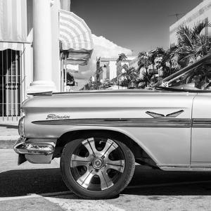 Cuba Fuerte Collection SQ BW - Vintage Car II by Philippe Hugonnard