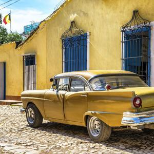 Cuba Fuerte Collection SQ - Classic Golden Car by Philippe Hugonnard