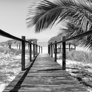 Cuba Fuerte Collection SQ II - Way to the Beach by Philippe Hugonnard