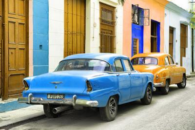 Cuba Fuerte Collection - Two Classic American Cars - Blue & Orange