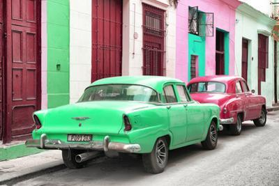 Cuba Fuerte Collection - Two Classic American Cars - Green & Rasberry