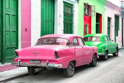 Cuba Fuerte Collection - Two Classic American Cars - Pink & Green