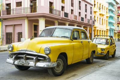 Cuba Fuerte Collection - Yellow Classic Cars