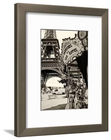 Eiffel Tower - Le Carrousel - Paris - France