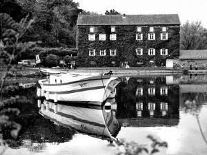 Fishing boat - Vertoux - Loire-Atlantique - Pays de la Loire - France by Philippe Hugonnard