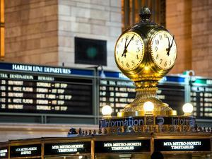 Grand Central Terminal's Four-Sided Seth Thomas Clock - Manhattan - New York by Philippe Hugonnard