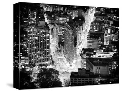 Lifestyle Instant, Flatiron Building by Nigth, Black and White Photography, Manhattan, NYC, US