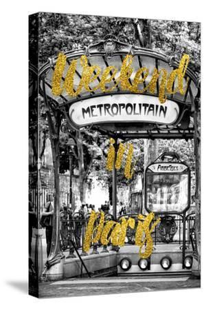 Paris Fashion Series - Weekend in Paris - Metropolitain Abbesses