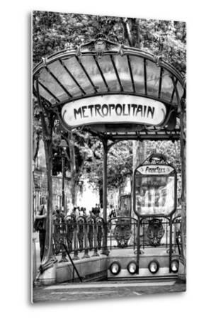 Paris Focus - Abbesses Metro
