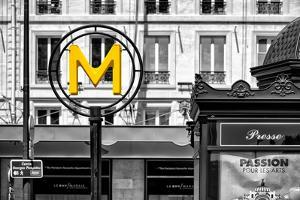 Paris Focus - Paris Métro by Philippe Hugonnard