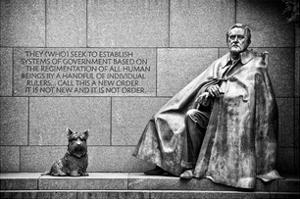 Statue of Franklin Roosevelt with His Dog, Memorial Franklin Delano Roosevelt, Washington D.C by Philippe Hugonnard