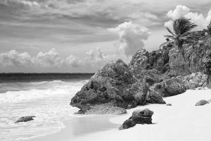 ¡Viva Mexico! B&W Collection - Caribbean Beach by Philippe Hugonnard