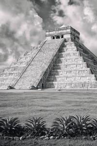 ¡Viva Mexico! B&W Collection - El Castillo Pyramid IX - Chichen Itza by Philippe Hugonnard