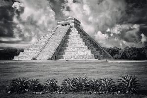 ¡Viva Mexico! B&W Collection - El Castillo Pyramid VI - Chichen Itza by Philippe Hugonnard
