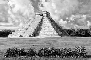 ¡Viva Mexico! B&W Collection - El Castillo Pyramid VIII - Chichen Itza by Philippe Hugonnard
