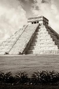 ¡Viva Mexico! B&W Collection - El Castillo Pyramid X - Chichen Itza by Philippe Hugonnard