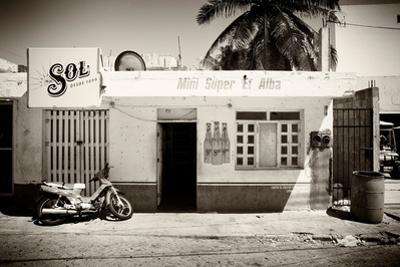 ¡Viva Mexico! B&W Collection - Supermarket Isla Mujeres