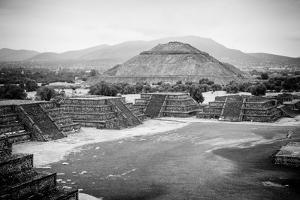 ¡Viva Mexico! B&W Collection - Teotihuacan Pyramids IV by Philippe Hugonnard