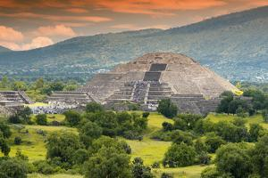 ¡Viva Mexico! Collection - Pyramid of the Sun - Teotihuacan by Philippe Hugonnard