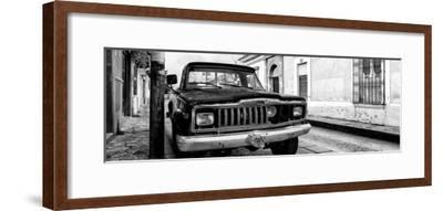 ¡Viva Mexico! Panoramic Collection - Old Jeep in San Cristobal de Las Casas I