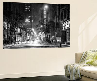 Wall Mural - Manhattan in the Snow at Night - The Radio City Music Hall - New York - USA