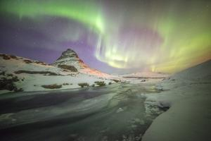 Kirkjufell Curves by Philippe Manguin