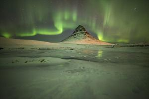 Kirkjufell Moutain by Philippe Manguin