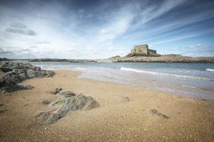 Le Fort Du Petit Be A Saint Malo En Bretagne by Philippe Manguin