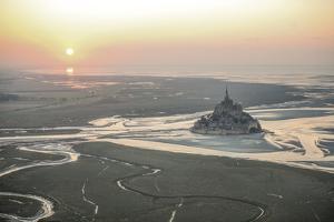 Le Mont Saint Michel by Philippe Manguin