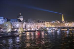 Paris, La Seine by Philippe Manguin