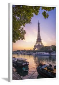 Paris sunrise by Philippe Manguin