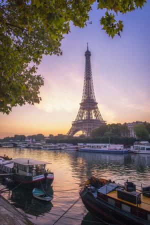 Paris sunrise by Philippe Manguin