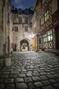 Rennes, Les Portes Mordellaises by Philippe Manguin