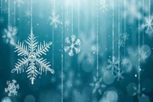 Macro Snowflake and Fallen Defocused Snowflakes on Blue Background - 3D Rendering by Phive